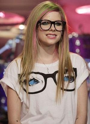 7bd063b05 celebridades-oculos-avrillavigne - WePick