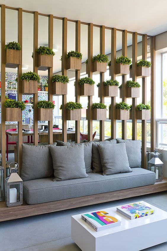 Divis o de ambientes dentro de casa wepick for Idea decorativa sala de estar pequeno espacio