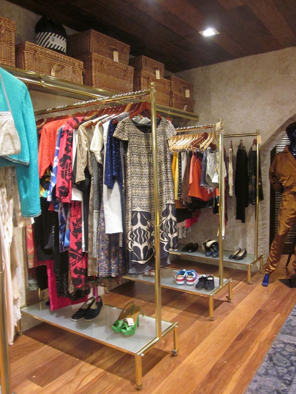 bd97a6e5164 Online Personal Brechó  O site da carioca Juliana Burlamaqui é um brechó- chique e exclusivamente virtual que vende roupas femininas